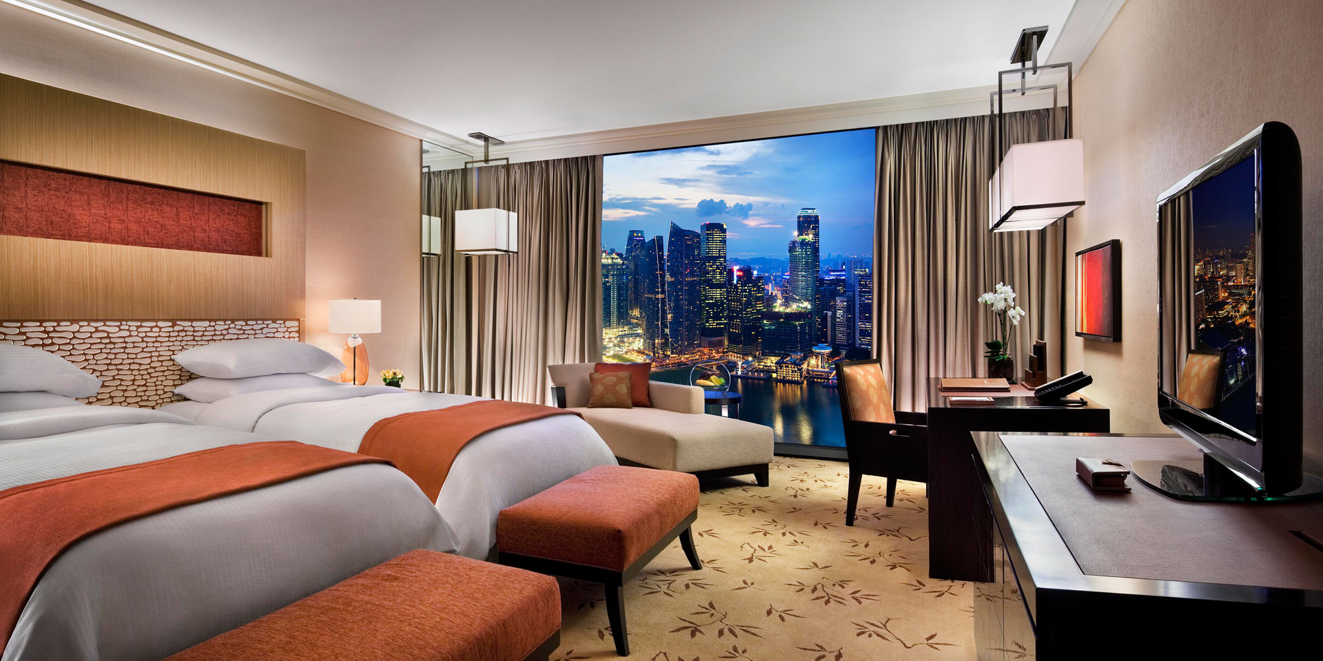 Deluxe Room at Marina Bay Sands with Twin Beds and City View