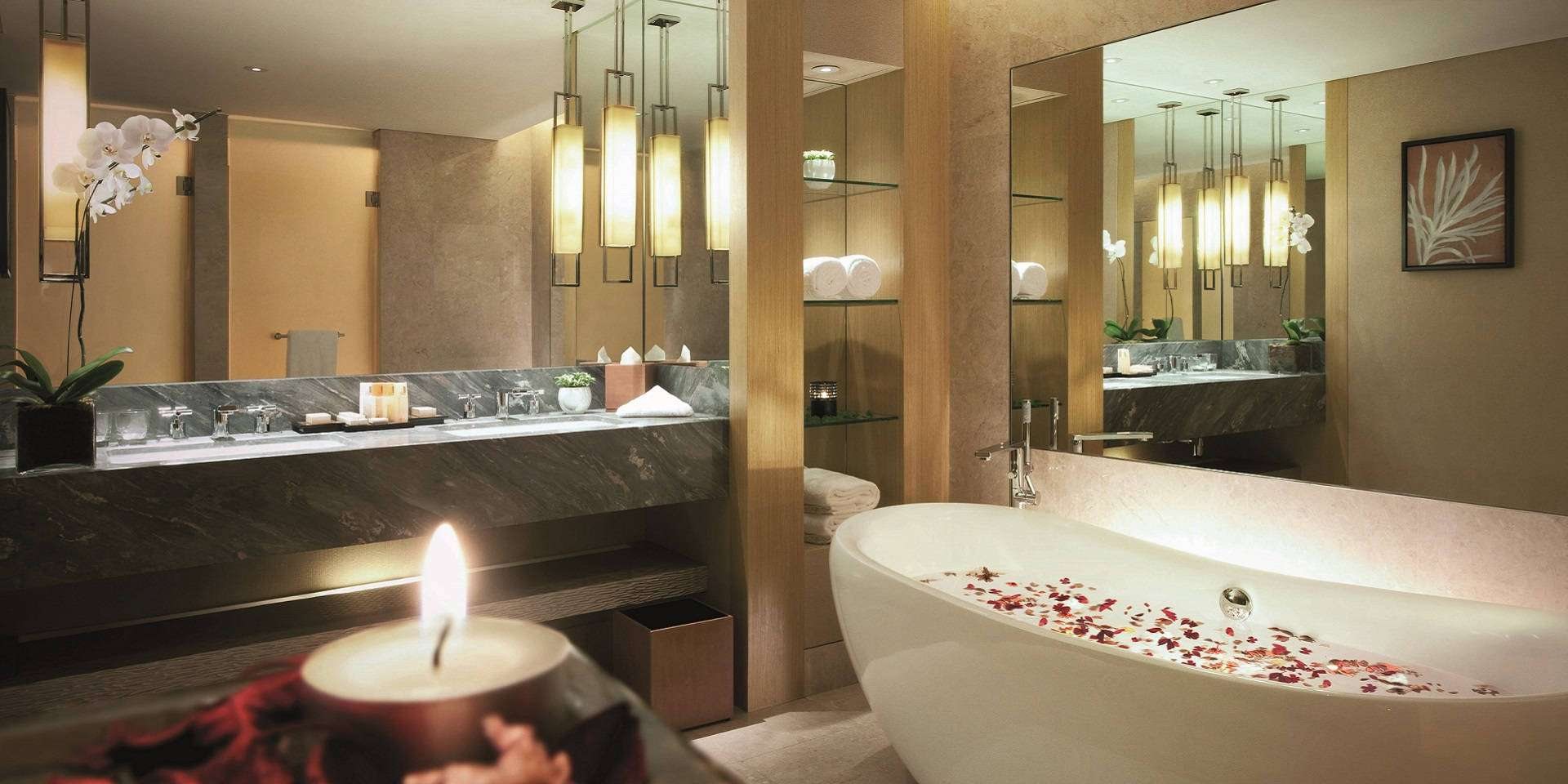 Grand Club Room Bathroom at Marina Bay Sands
